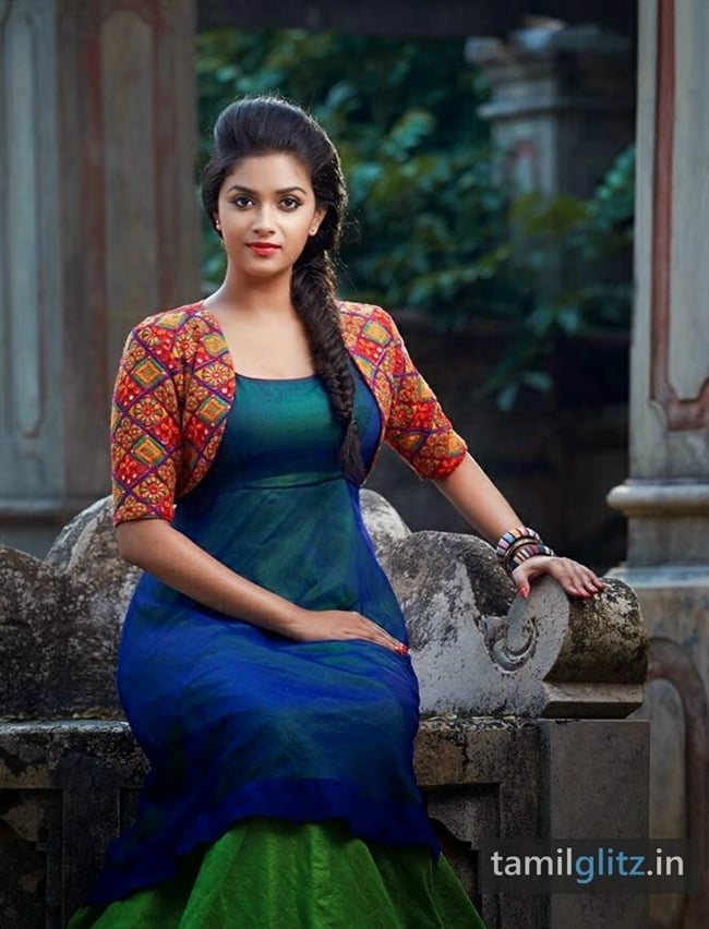 Keerthi Suresh Photos – HD Images-22