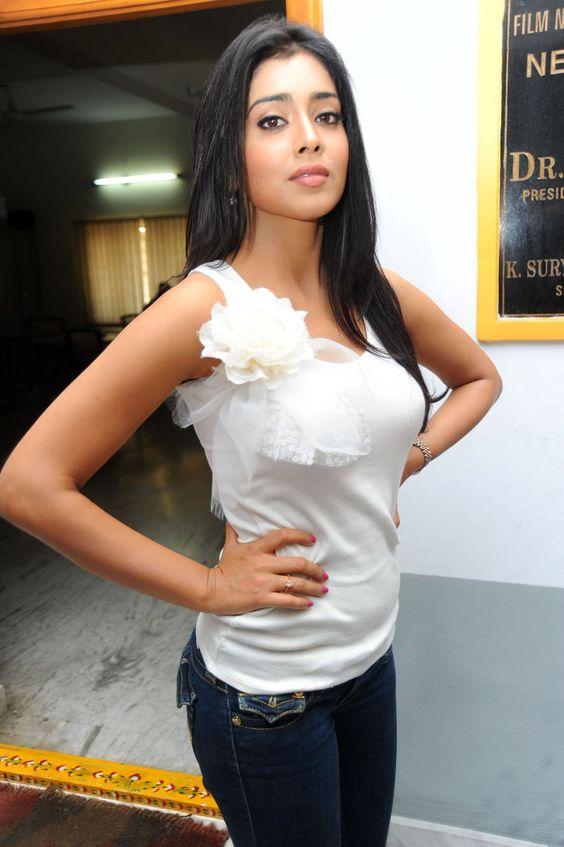 Shriya-Saran-HD-Images (9)
