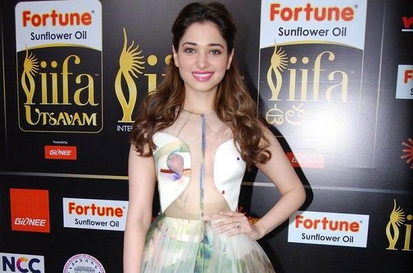 Tamanna-Transparent-in-IIFA-Awards (12)