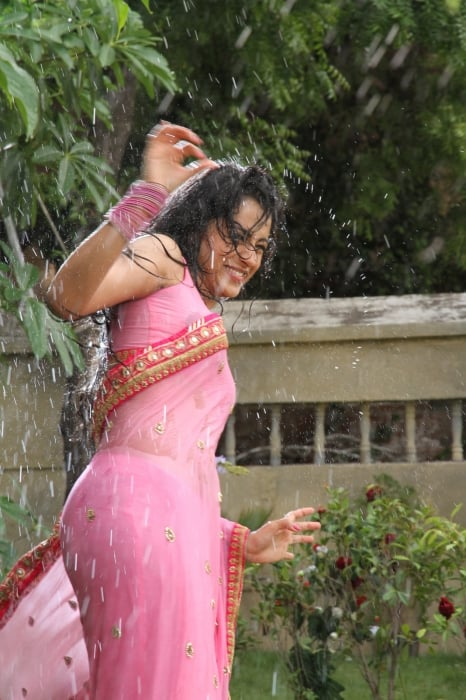 trisha-hot-in-aranmanai-2-hd-images (13)