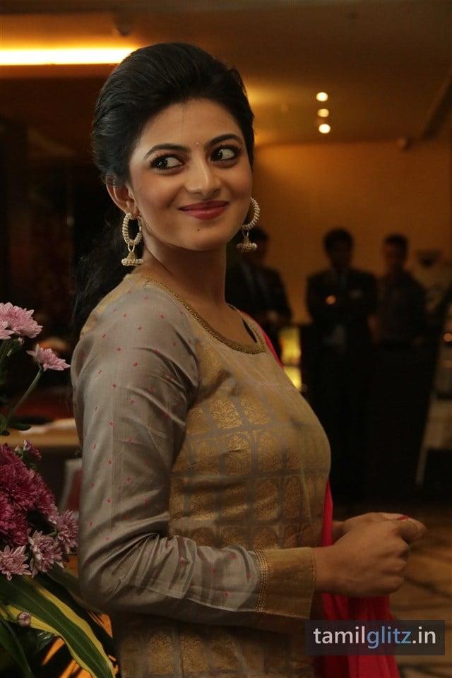 Anandhi At EIPI Press Meet Photos-13