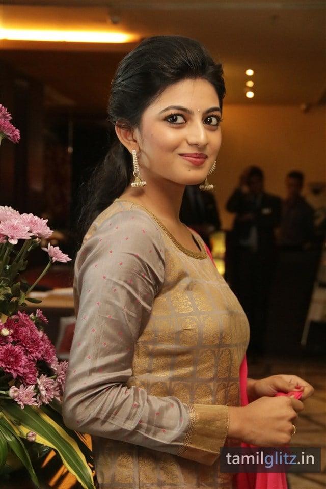 Anandhi At EIPI Press Meet Photos-14