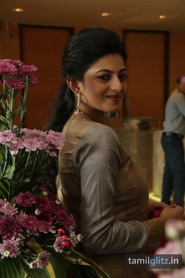 Anandhi At EIPI Press Meet Photos-15