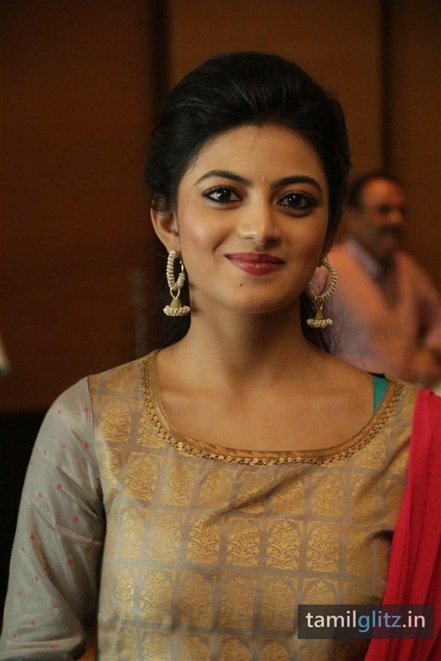 Anandhi At EIPI Press Meet Photos-19