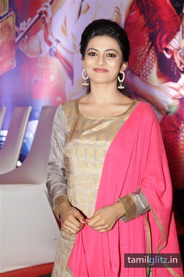 Anandhi At EIPI Press Meet Photos-24