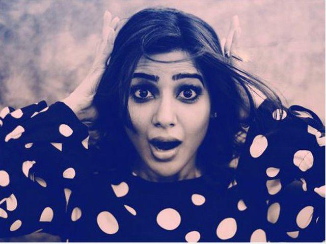 actress-samantha-cute-latest-photoshoot-in-black-dress3