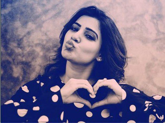 actress-samantha-cute-latest-photoshoot-in-black-dress5