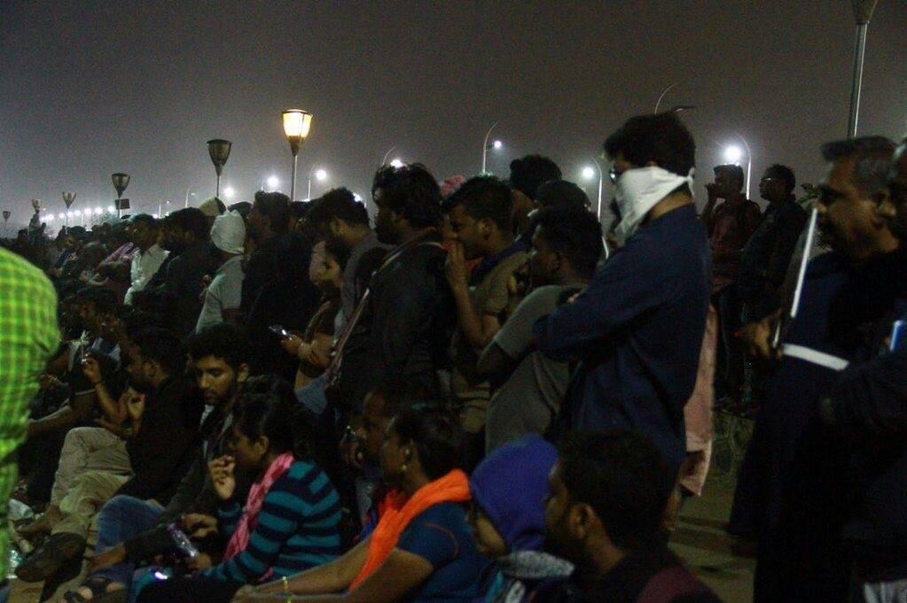 Vijay in Marina Protest and Avoided Nadigar Sangam Protest 1