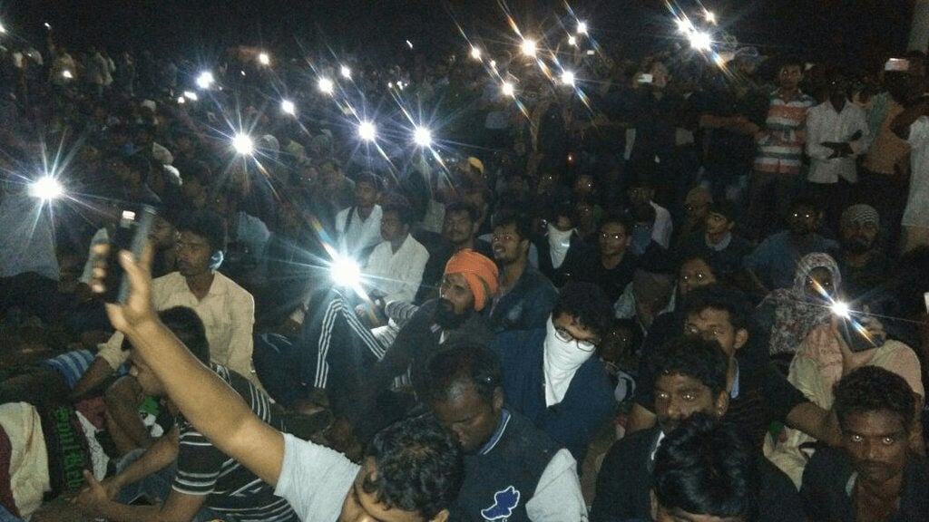 Vijay in Marina Protest and Avoided Nadigar Sangam Protest 2