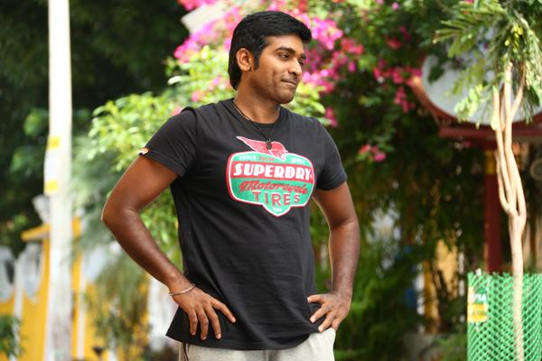 Top Heroes in Tamil Cinema and Their Age 4