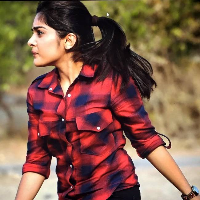 Nivetha Thomas Photos – HD Images 57