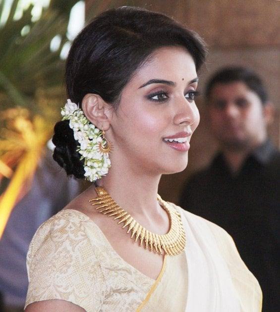 Top 10 Cute Malayalam Heroines in Tamil Cinema 9