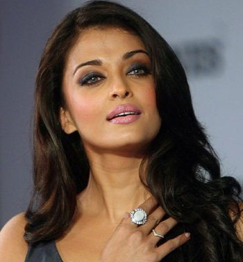 Aishwarya Rai Photos – HD Images 26