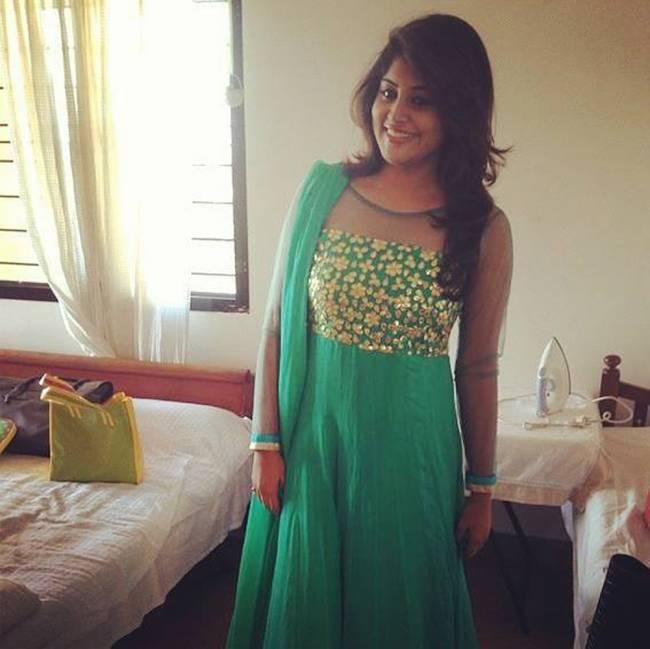 Top 25 Latest HD Stills of Birthday Girl Manjima Mohan 17