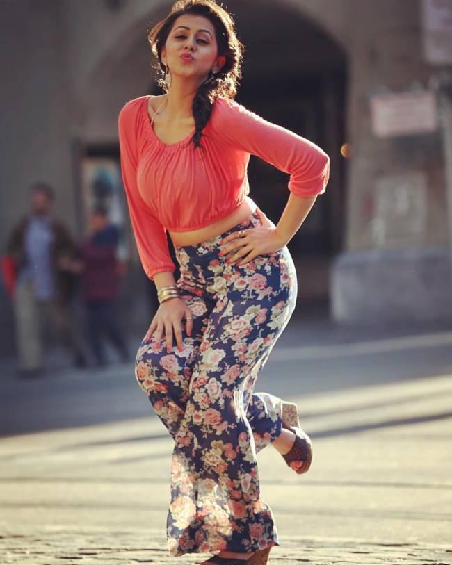 Nikki Galrani Photos – HD Images 10