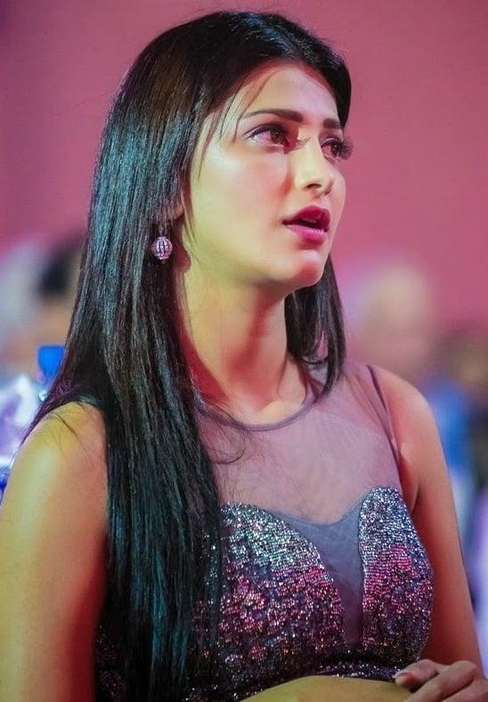 Shruthi Haasan Photos - HD Images 29