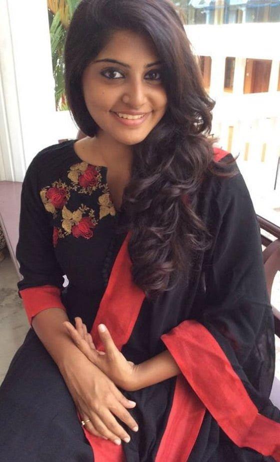 Top 25 Latest HD Stills of Birthday Girl Manjima Mohan 13