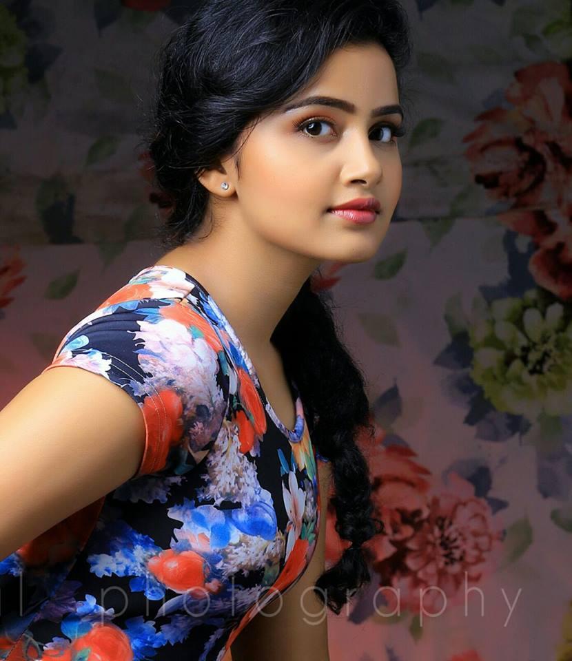 Top 10 Cute Photos of Anupama Parameshwaran 23