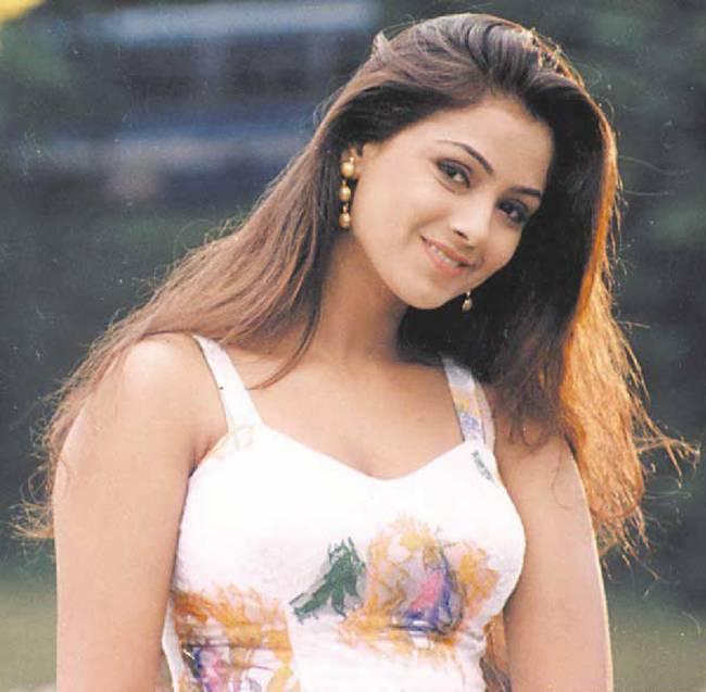 Top 10 Cute Actress in 90's 10