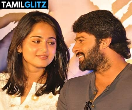 10 Unseen Photos of Anuskha and Prabhas 3