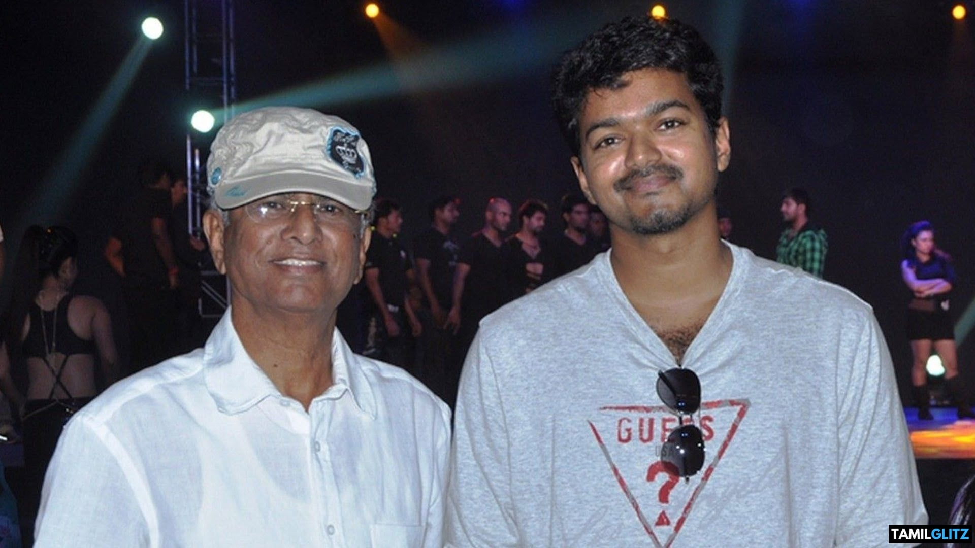 10 Interesting and Unknown Facts about Ilayathalapathy Vijay 21