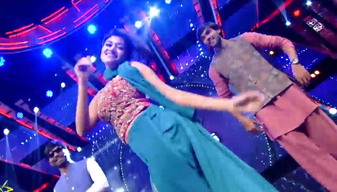 Oviya & Aarav Dances for Jimiki Kammal Song 9