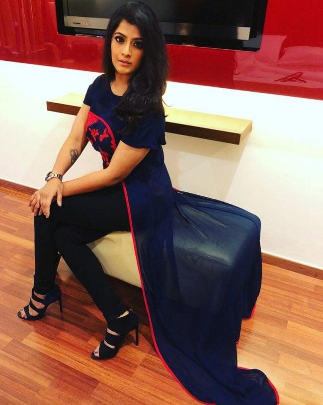 Varalaxmi Sarathkumar Turns Into Super Women | Shocking Photos 1