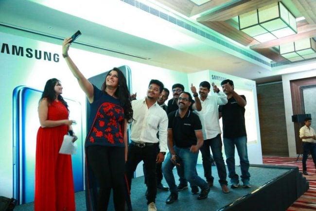 Varalaxmi Sarathkumar Turns Into Super Women | Shocking Photos 3