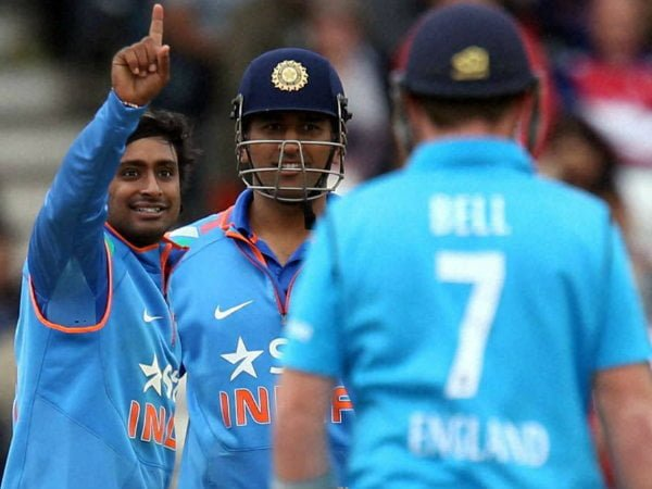 Dhoni Leaves the Star Hotel Because of Ambati Rayudu 2