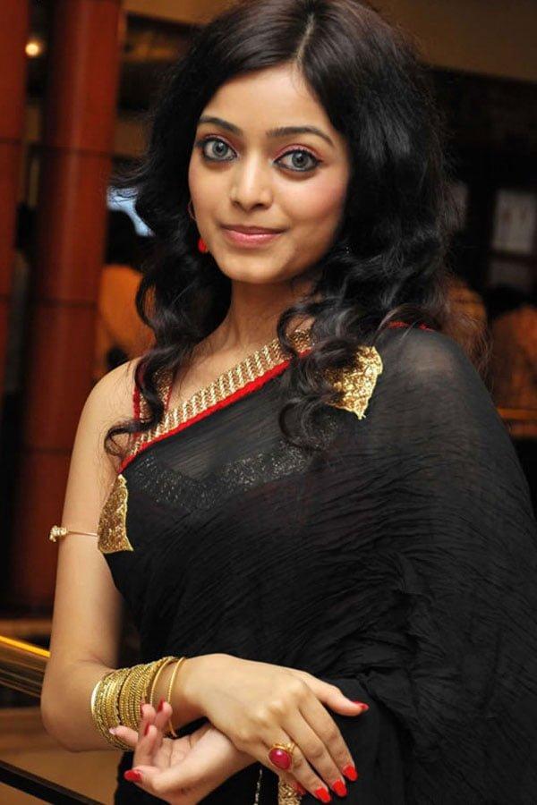 Janani Iyer Photos - HD Images 4