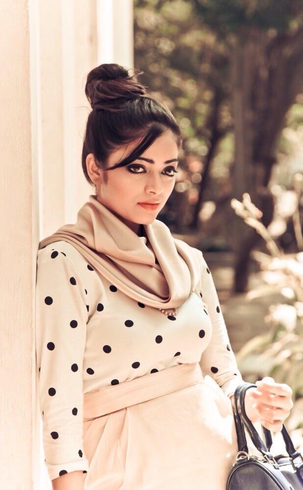 Janani Iyer Photos - HD Images 11