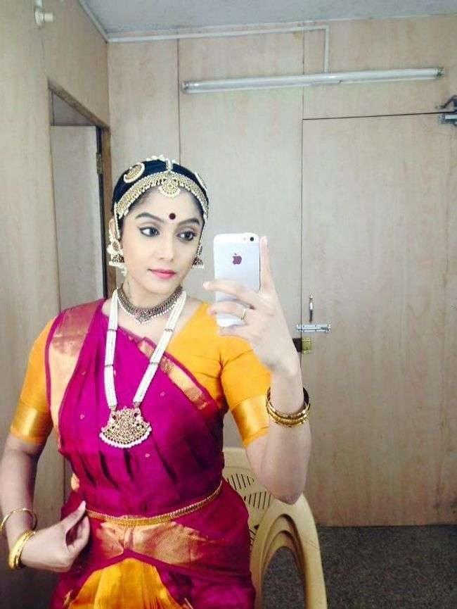 Abirami Venkatachalam Photos (HD Images) - Bigg Boss Tamil 25