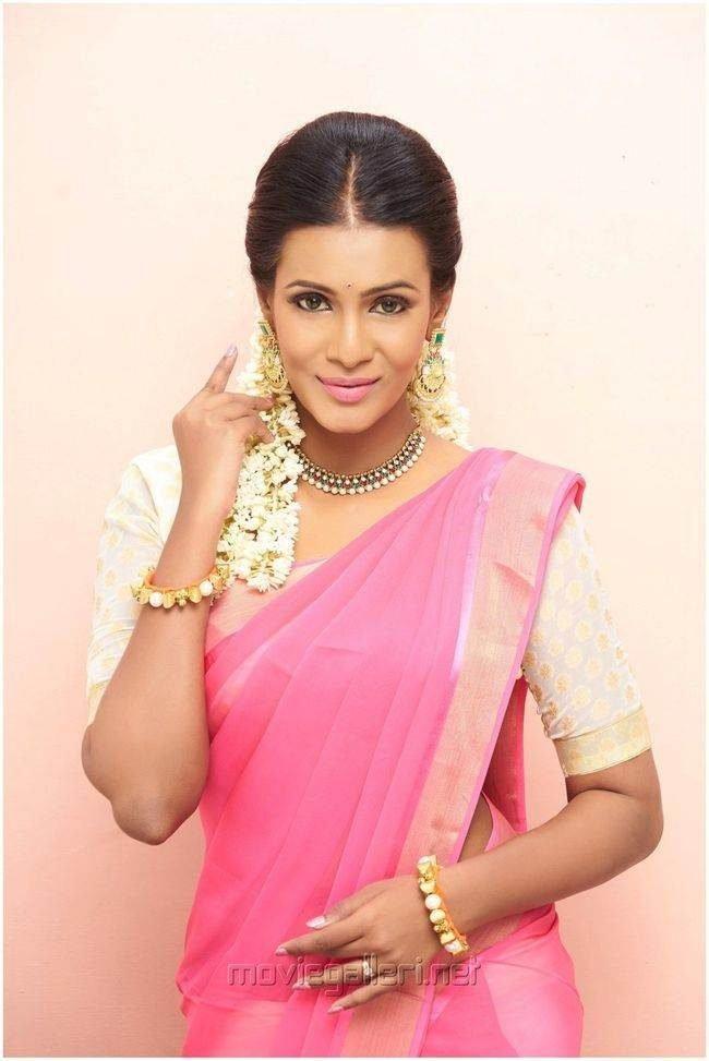 Meera Mitun Photos (HD Images) - Bigg Boss Tamil 30