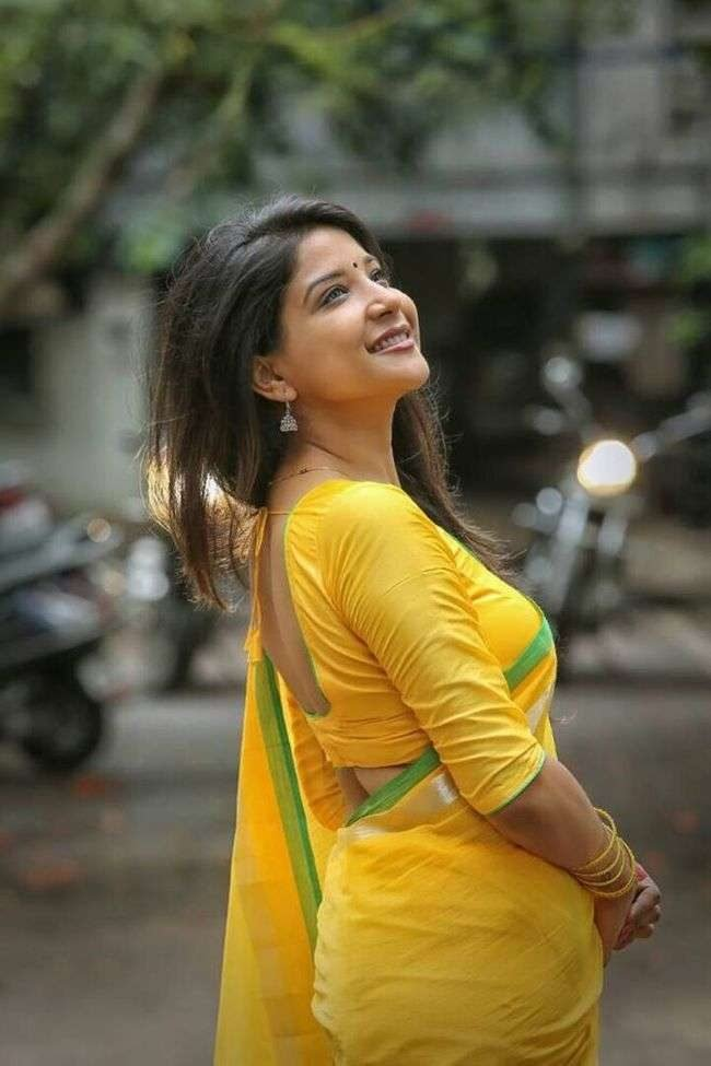 Sakshi Agarwal Photos (HD Images) - Bigg Boss Tamil 22
