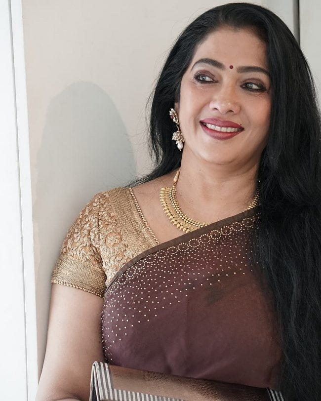 Bigg Boss Tamil vote for Rekha