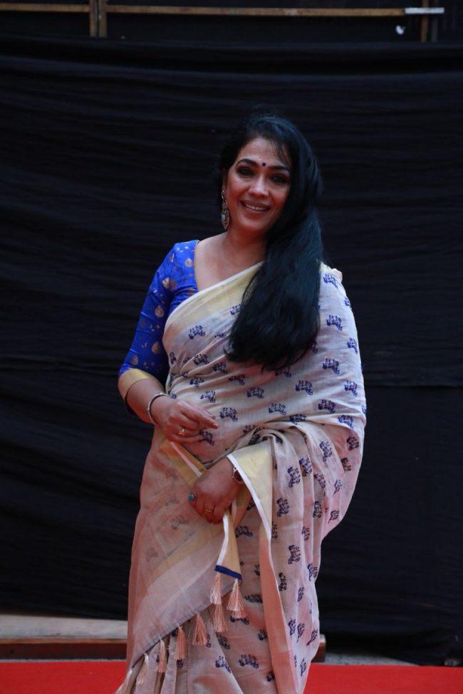 Actress Rekha Tamil
