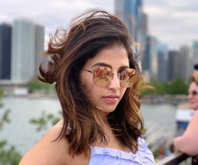 Anjali Stunning
