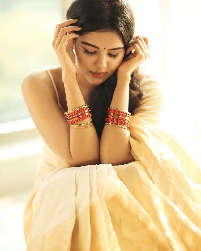 Kalyani Priyadarshan Wiki, Age, Boyfriend, Family, Biography, Images 1