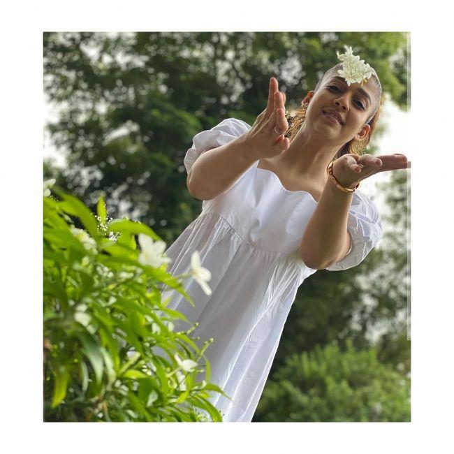Actress Nayanthara in white gown