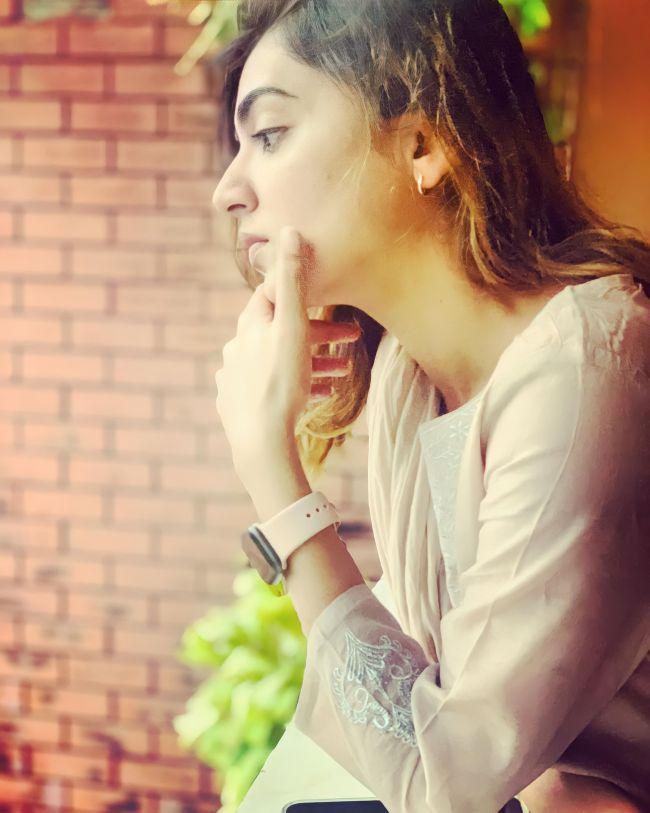 Nazriya Nazim Thinking