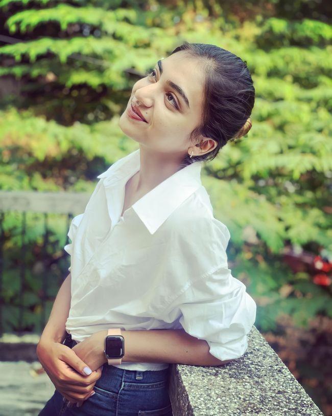 Nazriya Nazim White Shirt