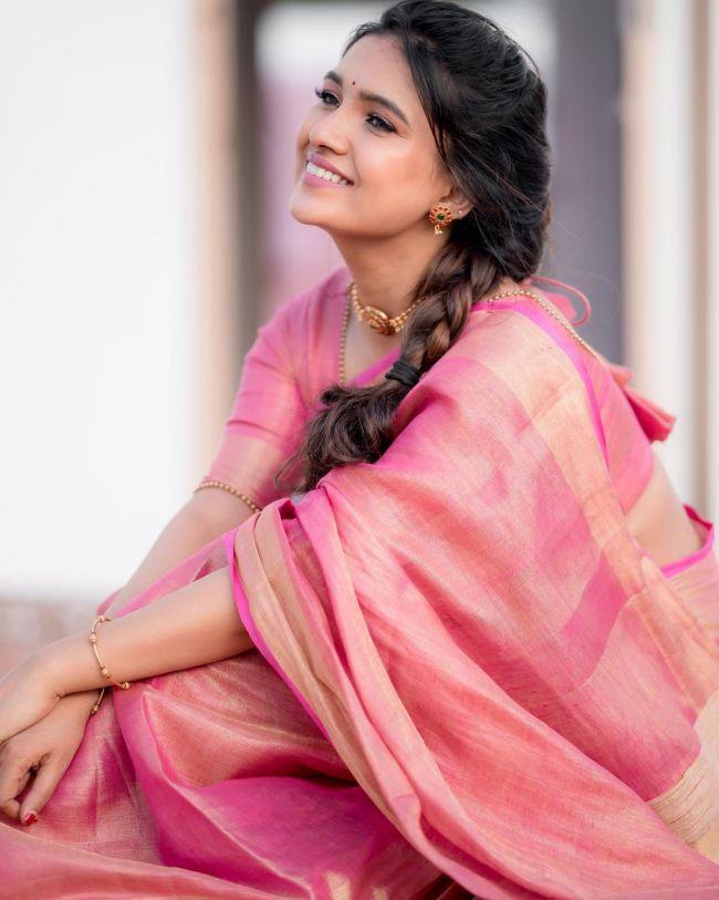 Vani Bhojan Pink Saree