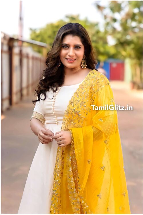 Bigg Boss Tamil Vote for Priyanka Deshpande
